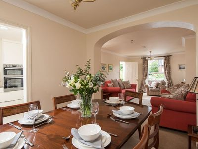 Photo for Windsor Townhouse 4* Luxury Self-Catering in Malone/Queens, parking & garden