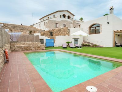 Photo for Country house with pool just 10 Km from the Costa Dorada beaches.