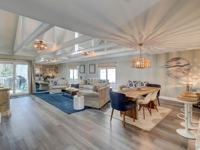 Photo for Premier Queens Grant villa with stunning updates