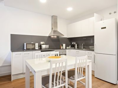 Photo for Delightful 3Bed Sleeps 7 5min to tube in Gracia