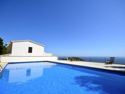 Photo for Apartment with large terrace and sea views