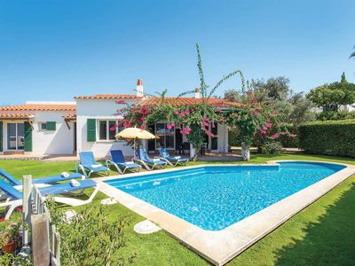 Photo for Modern villa in great location with pool, beautiful gardens, barbecue and Wi-Fi