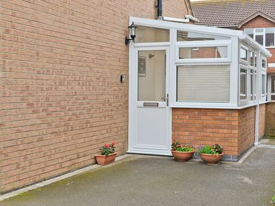 Photo for 1 bedroom property in Mablethorpe. Pet friendly.