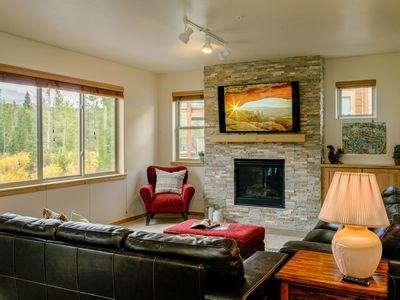 Photo for Trailhead Lodges 424 by WPLCo   Sleeps 7 in Downtown Winter Park   Pool + Amenities   Great Views!