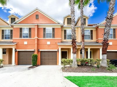 Photo for Fabulous Town House, 20 Minutes To Disney, Communal Pool, Families Welcome!