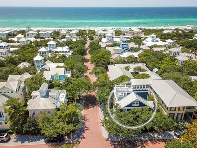 Photo for Beautiful gulf views! Access to 3 swimming pools! Short walk to the beach!