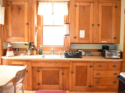 Photo for Charming 3B, 1BA Cottage, short walk to Pemaquid Beach