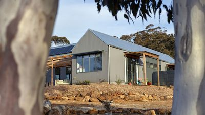 Photo for Magpie Haven with views to historic Berrima