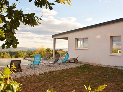Photo for A cozy nest in the heart of the Ardeche Méridionnale.