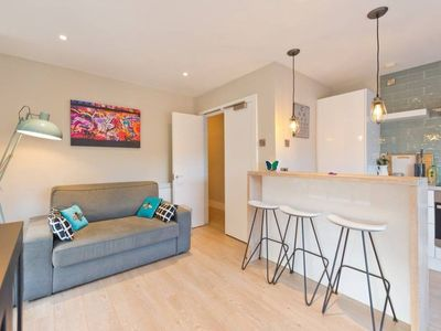 Photo for 2 Bedroom Rooftop Apartment in Temple Bar Sleeps 6