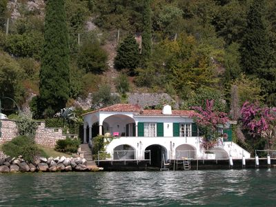 Photo for Elegant villa directly on the lake