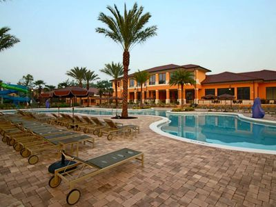 Photo for Budget Getaway - Regal Oaks - Amazing Spacious 4 Beds 3.5 Baths Townhome - 3 Miles To Disney