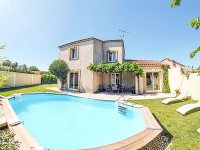 Photo for The Villa between ALPILLES and LUBERON