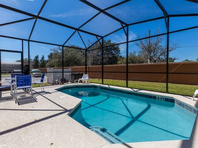 Photo for NEW LISTING! 4 br, 2 suites, POOL,  Free, WiFi & Parking at Bellavida Resort
