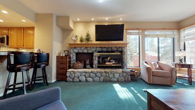 Photo for Close to everything w/ 2 full bedrooms, in unit laundry & underground parking