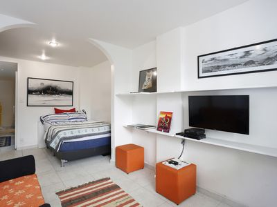 Photo for Beautiful and with great location on Av. Atlantica. WIFI on the Beach