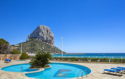 Photo for Rubino - Frontline apartment with sea views and pool in Calpe