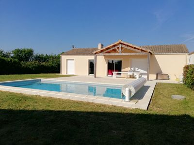 Photo for Villa with pool 3 km from the sea