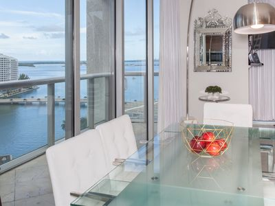 Photo for LARGE CORNER UNIT, OVERLOOKING THE OCEAN, STYLISH, FREE: POOL, SPA, GYM, WI-FI