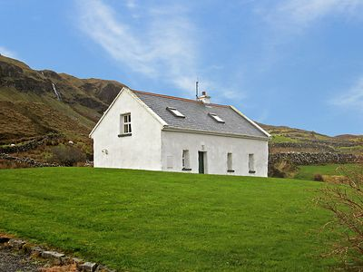 Photo for Vacation home Coolin Cottage  in Clonbur, West Ireland - 4 persons, 2 bedrooms