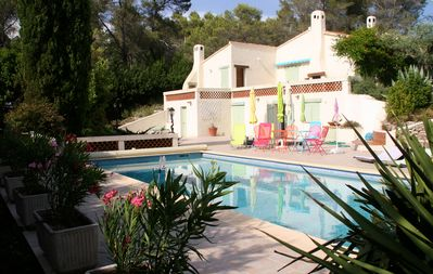 Photo for Provencal villa with beautiful pool in Bagnols-en-Forêt (between Fréjus and Fayence)