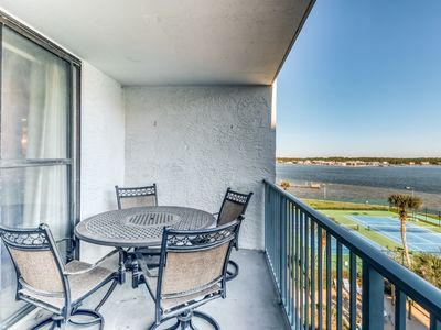 Photo for Condo near the beach w/ views of Little Lagoon, free WiFi, & fishing pier!