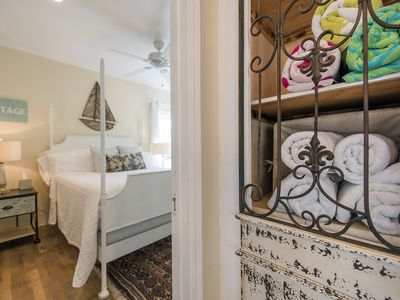 Remodeled Beachy Cottage w/AC... The Perfect place to be at the Beach.