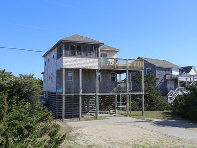 Photo for Five C's - Well-loved 4 Bedroom Oceanside Home in Avon