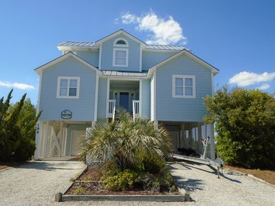 Photo for W4 194 This sound front home provides views of scenic marshlands and Intracoastal Waterway.