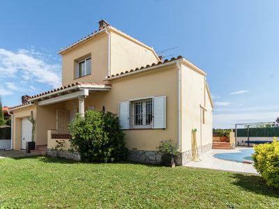Photo for House with private pool for 4 persons in Sant Pere Pescador