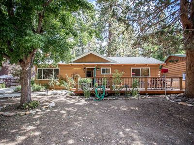 Photo for House in Big Bear Lake with Parking, Internet, Washing machine, Balcony (983496)