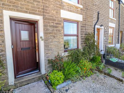 Photo for Beas Cottage, HAYFIELD