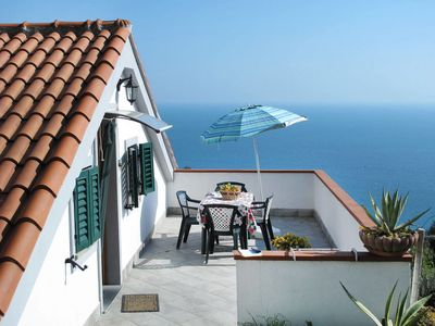 Photo for 3 bedroom Apartment, sleeps 4 with Air Con