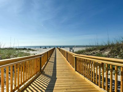 Photo for NEW-Resort Condo - Steps to Private Beach