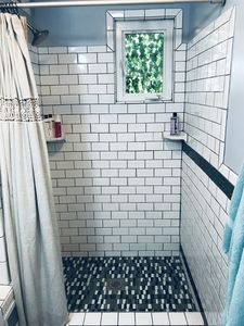 Shower with eco-toiletries