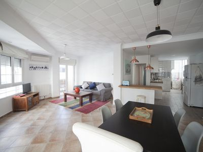 Photo for Arniches: Luxury Apartment next to the Train Station in Alicante