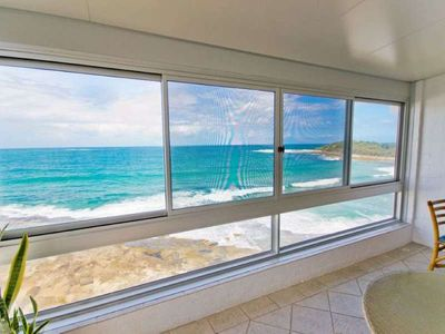 Photo for Prestigious unit with endless views over Main Beach!