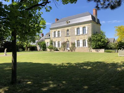 Photo for Beautiful & charming manoir with swimming pool outside Saumur
