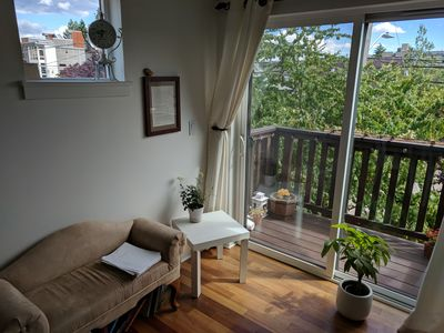 Photo for Cozy Townhouse in desirable Neighborhood