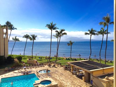 Actual View from Lanai Dining Table-all of south Maui, Makena & Molokini Crater!