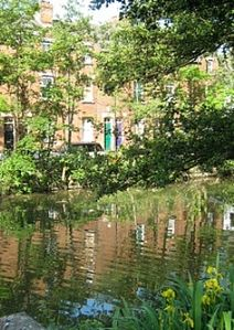 Photo for Victorian Terraced House with garden, Overlooking The Canal in Central Oxford.