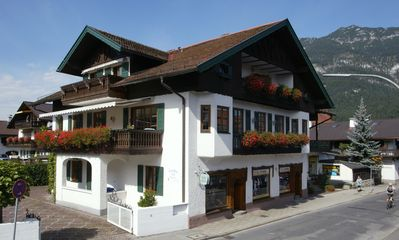Photo for 1BR Apartment Vacation Rental in Garmisch-Partenkirchen, BY
