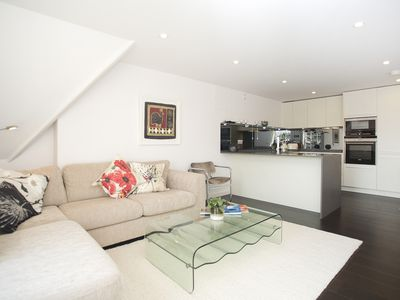 Photo for Modern 1 bed apartment, easy access to Central London, Islington (Veeve)