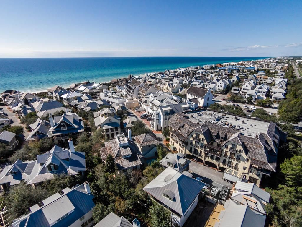 Dragonfly Carriage Perfect Location South Of 30a Near Gulf And Town Share Rosemary Beach