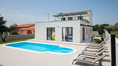 Photo for Trendy, elegant villa with pool in Pula