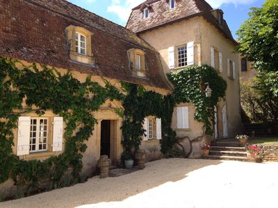 Photo for Magnificent presbytery of the 17th century, charming residence.