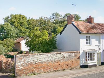 Photo for 2 bedroom property in Saxmundham.