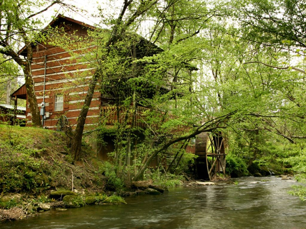 On Rushing Stream Authentic Log Cabin Vrbo