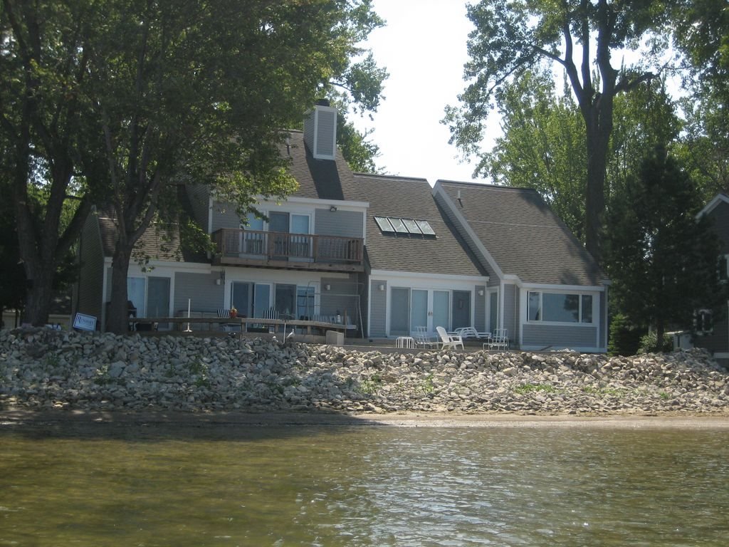 lake front house monthly rental lake erie waterfront beautiful rh homeaway co uk cottages on lake erie pa cottages on lake erie ontario
