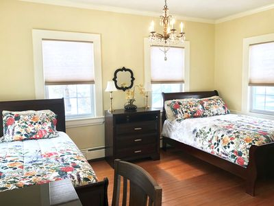 Cozy Two Bed(5 min from Outlets)